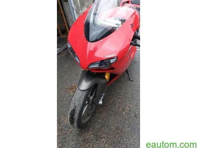 Ducati 1098S - 11