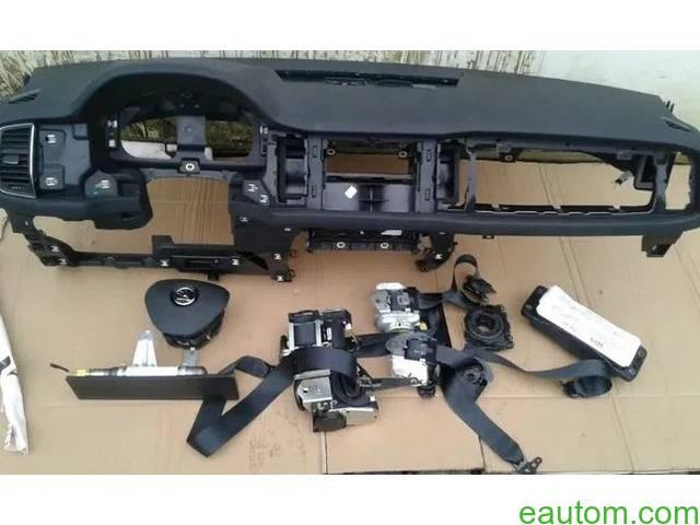 Skoda Kodiaq подушка Airbag радиатор торпедо коробка КПП коллектор - 5