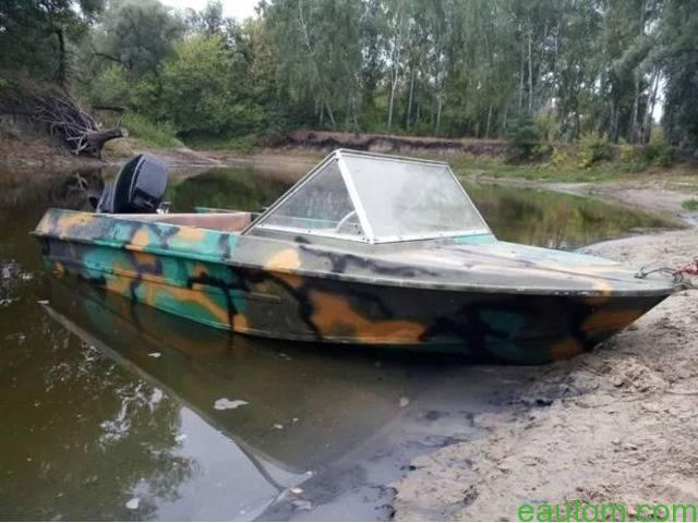 Лодка Крым с мотором - 1