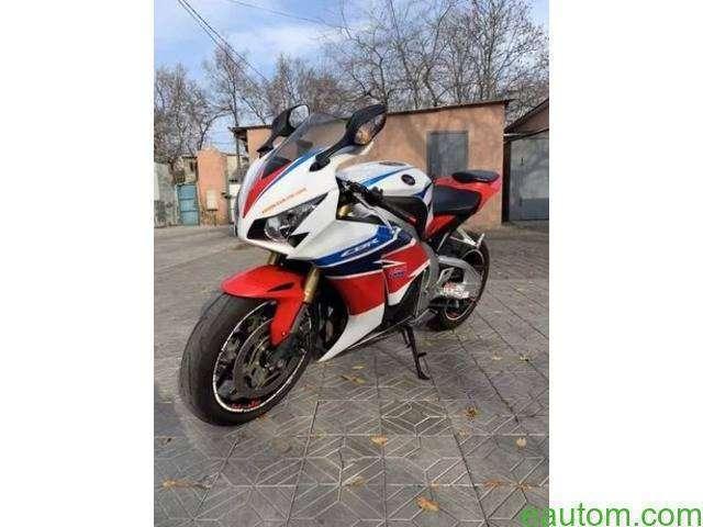 Honda CBR 1000RR 2014 - 3
