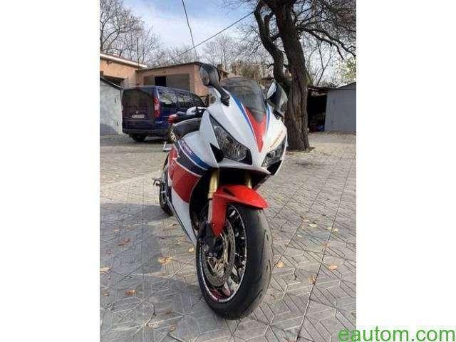 Honda CBR 1000RR 2014 - 4