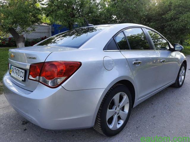 Chevrolet Cruze 1.8 2011г - 4