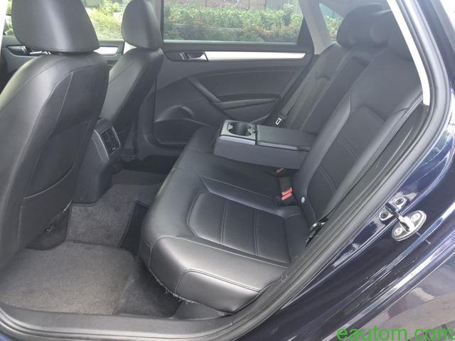Volkswagen Passat B7 USA 2.5 SE gaz 4 - 8