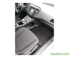 Chrysler 200 - Фото 2