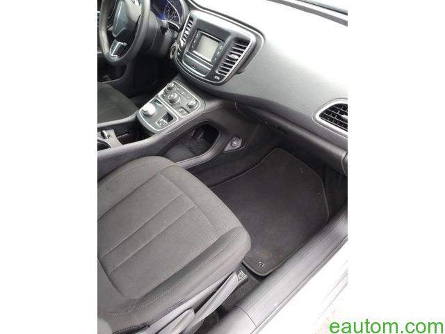 Chrysler 200 - 6