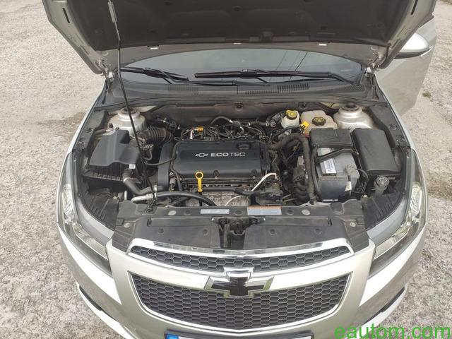 Продам Chevrolet Cruze 1.8 Газ/бензин - 5