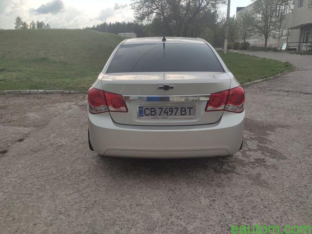 Продам Chevrolet Cruze 1.8 Газ/бензин - 6