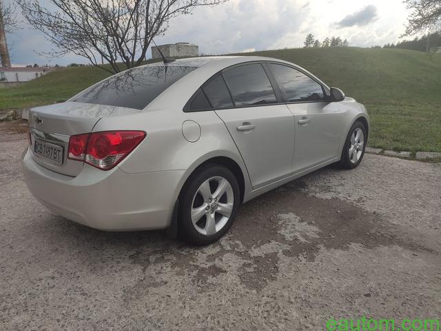Продам Chevrolet Cruze 1.8 Газ/бензин - 7