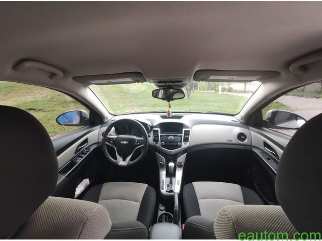 Продам Chevrolet Cruze 1.8 Газ/бензин - 9