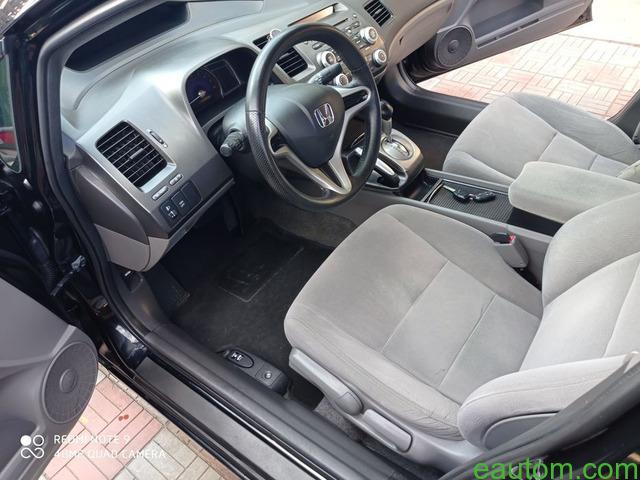 Civic 4d 1.8at - 8