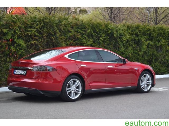 Tesla Model S70D - 3