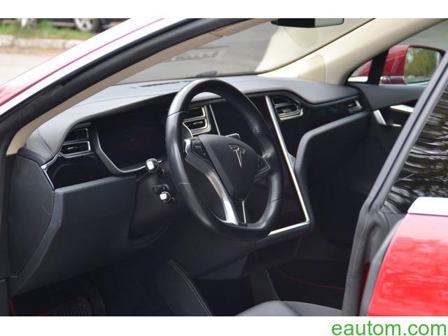 Tesla Model S70D - 9